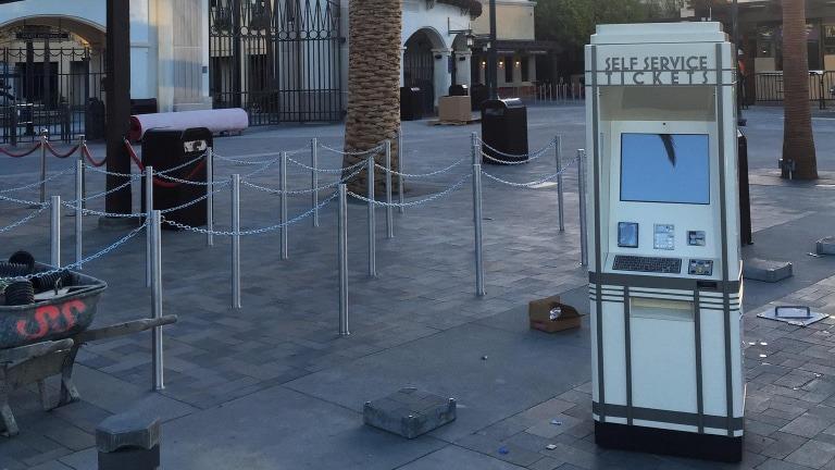 Outdoor Kiosks - Universal Studios